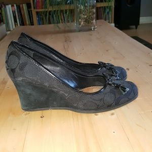 Coach, black wedge with bow, size 7.5